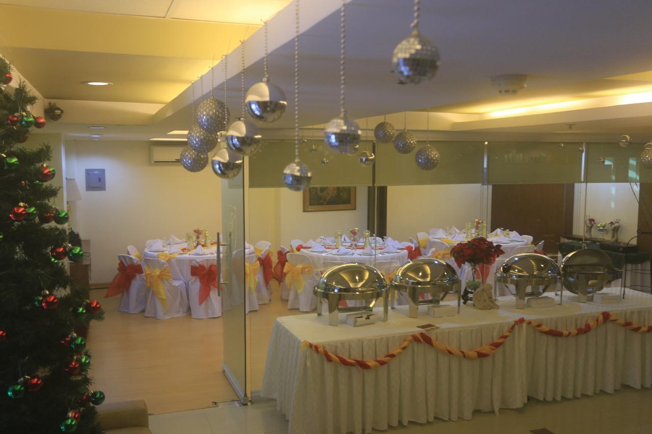 Large Group Christmas Party Ideas Part - 47: Christmas Party - Function Room
